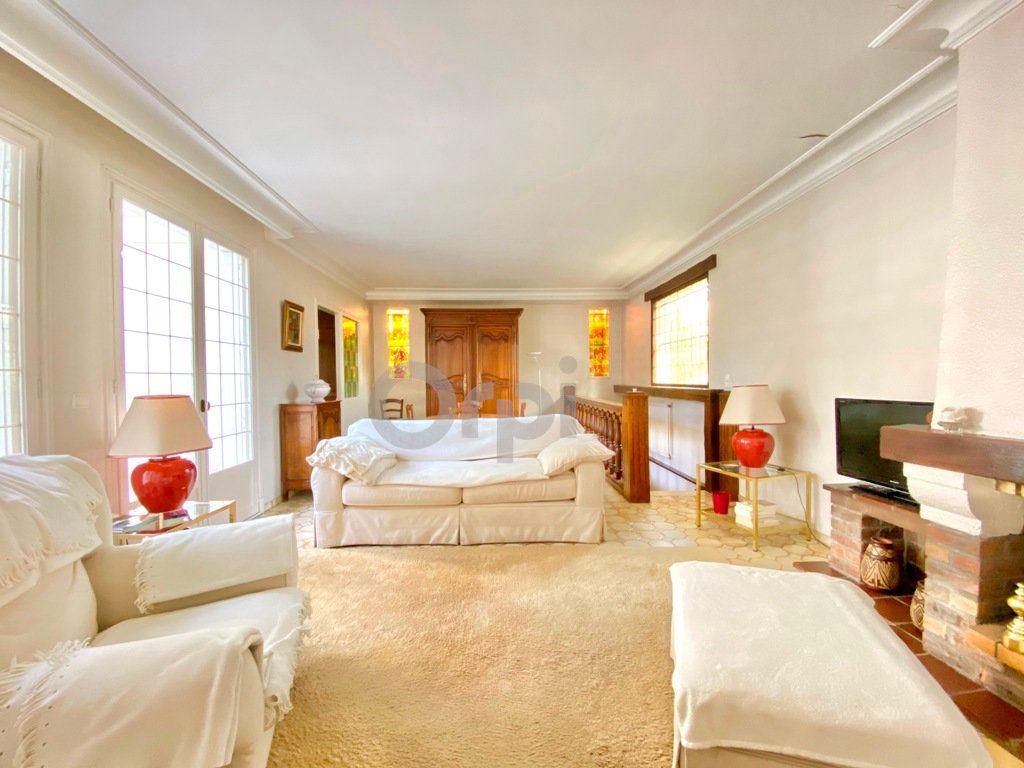Maison à vendre 6 180m2 à Livry-Gargan vignette-9