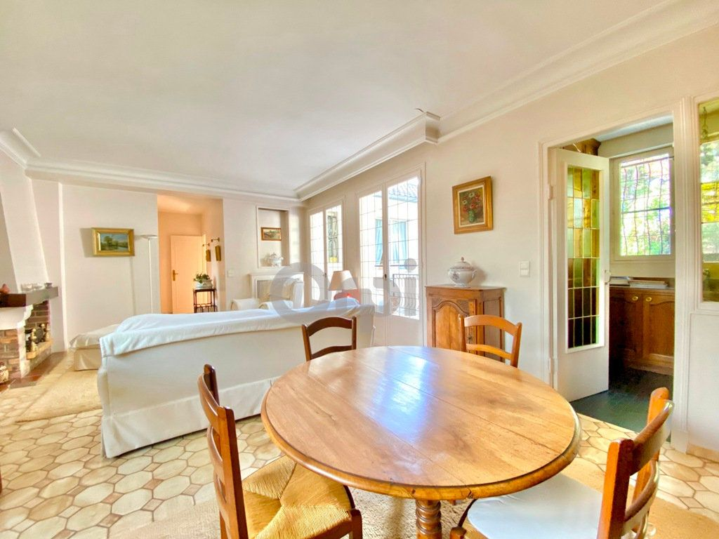 Maison à vendre 6 180m2 à Livry-Gargan vignette-10