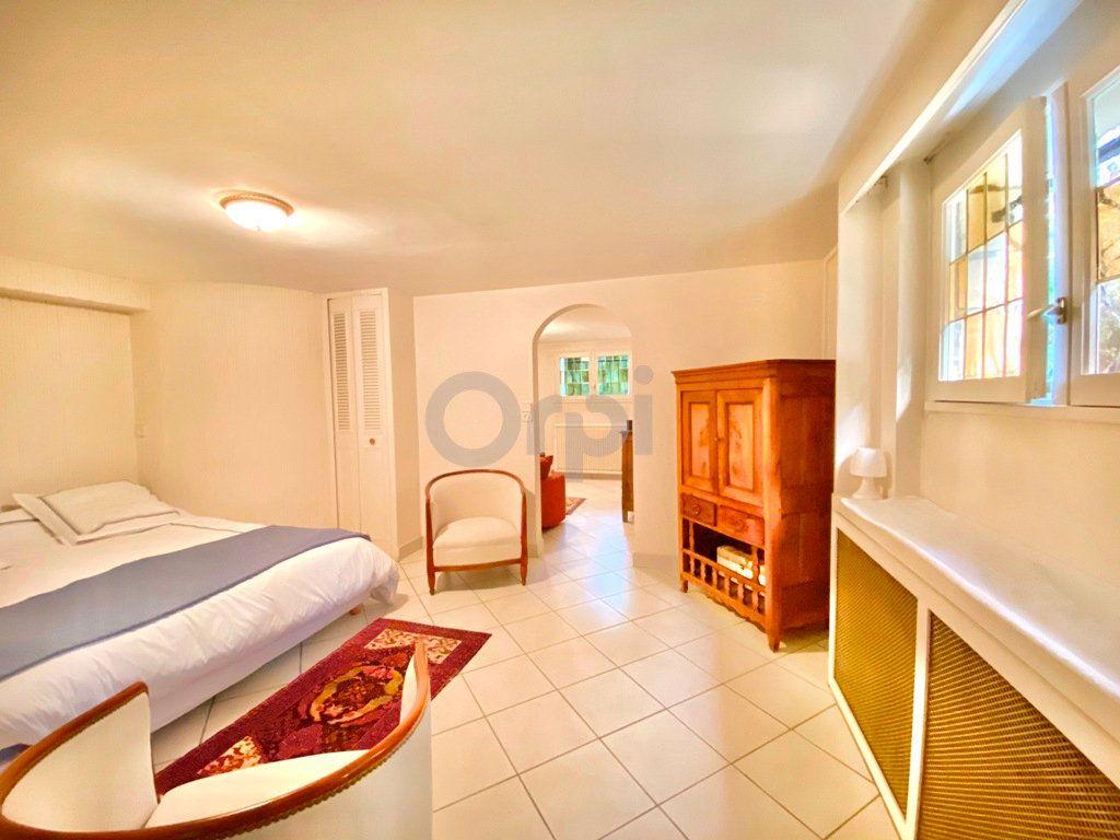 Maison à vendre 6 180m2 à Livry-Gargan vignette-13
