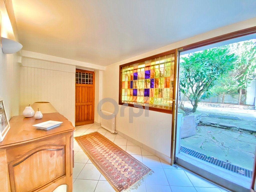 Maison à vendre 6 180m2 à Livry-Gargan vignette-16