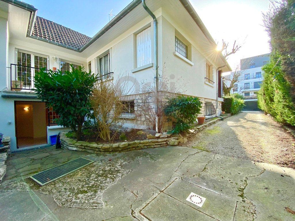 Maison à vendre 6 180m2 à Livry-Gargan vignette-18