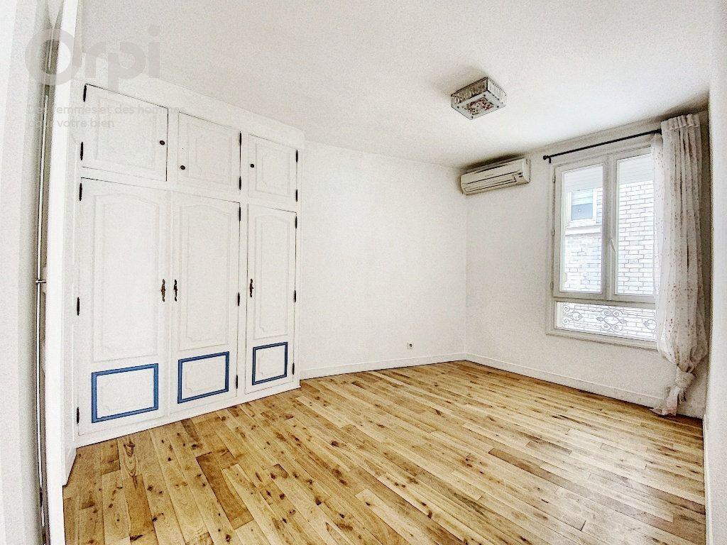 Appartement à vendre 3 51.63m2 à Paris 20 vignette-5