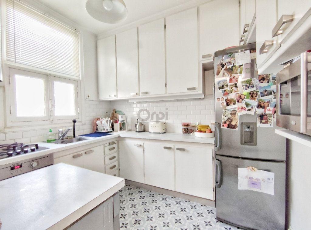 Appartement à vendre 5 93.7m2 à Paris 20 vignette-3