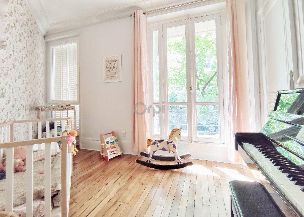Appartement à vendre 5 93.7m2 à Paris 20 vignette-5