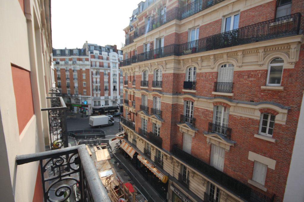 Appartement à louer 2 32.9m2 à Paris 20 vignette-1