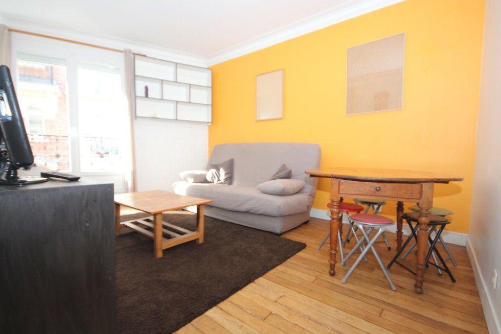 Appartement à louer 2 32.9m2 à Paris 20 vignette-2