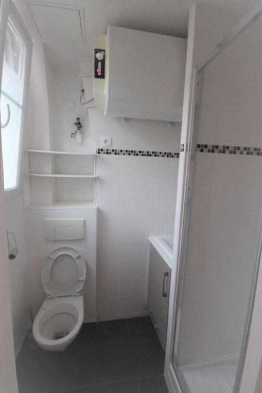 Appartement à louer 2 32.9m2 à Paris 20 vignette-5