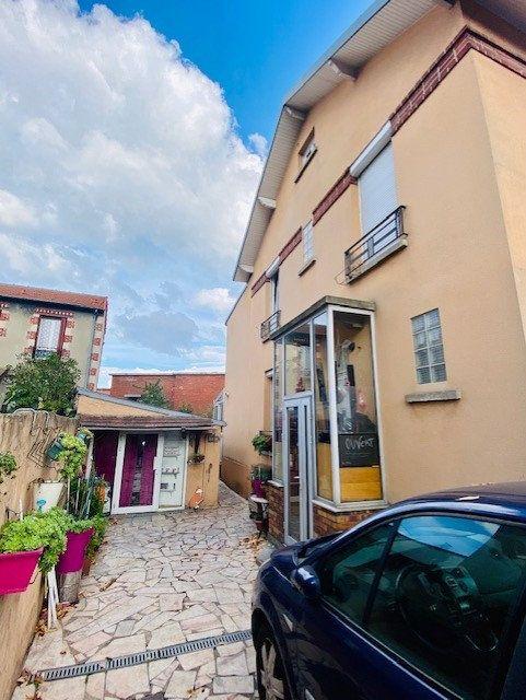 Maison à vendre 5 100m2 à La Courneuve vignette-1