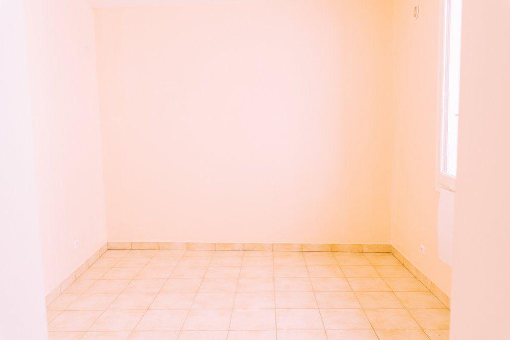 Appartement à louer 1 18.01m2 à La Courneuve vignette-2