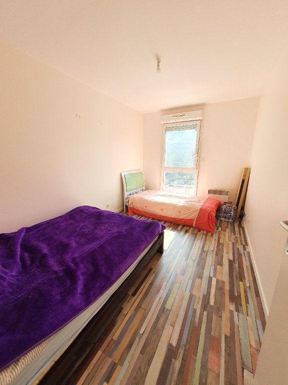 Appartement à louer 3 63.35m2 à Bobigny vignette-5
