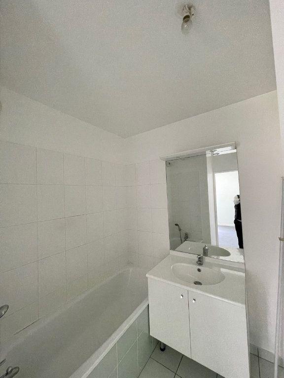 Appartement à louer 2 41m2 à Saint-Ouen vignette-5