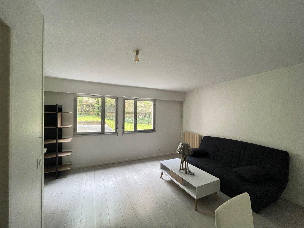 Appartement à louer 1 30m2 à Paris 12 vignette-2