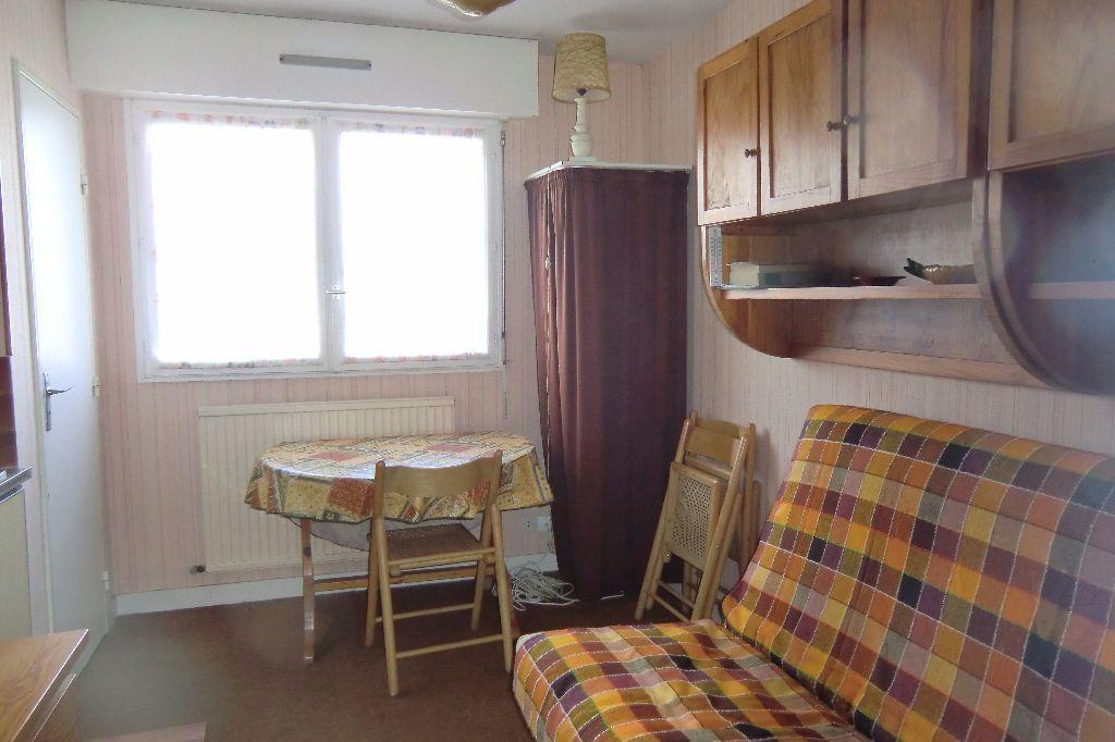 Appartement à louer 1 13m2 à Quiberon vignette-2