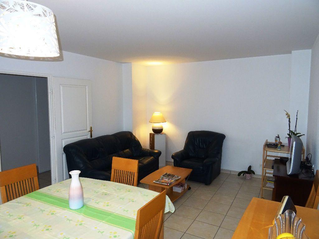 Appartement à louer 3 66.09m2 à Belleville vignette-3