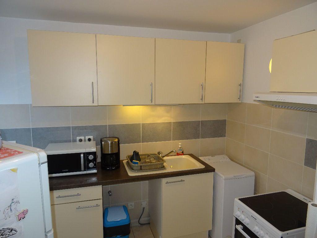 Appartement à louer 3 66.09m2 à Belleville vignette-4