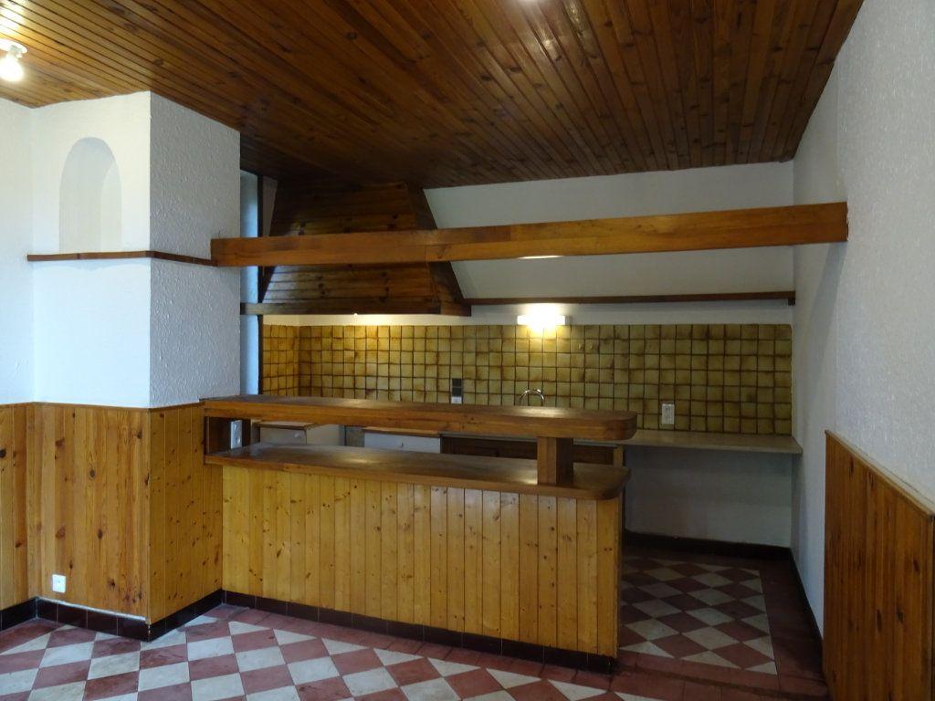 Maison à louer 7 141.93m2 à Lozanne vignette-3