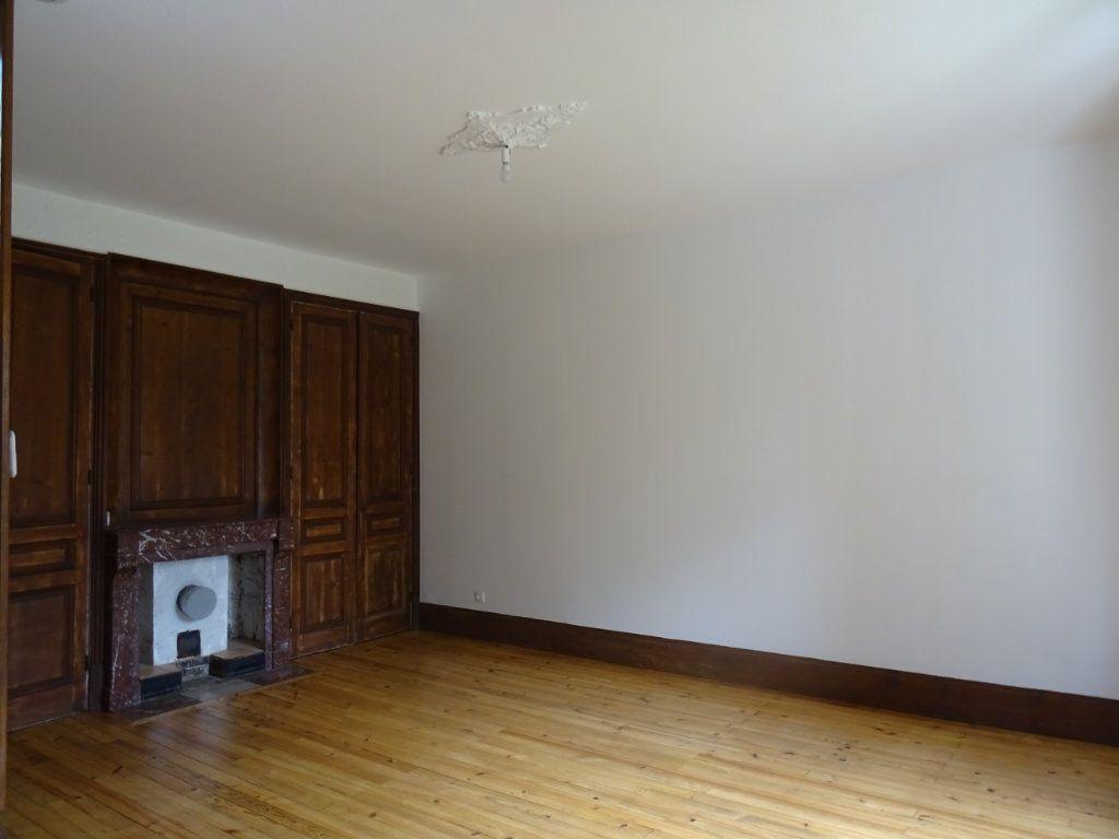 Maison à louer 7 141.93m2 à Lozanne vignette-4