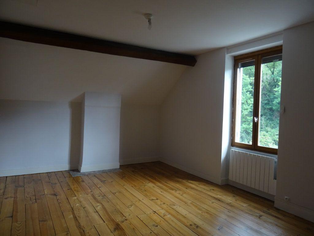 Maison à louer 7 141.93m2 à Lozanne vignette-9