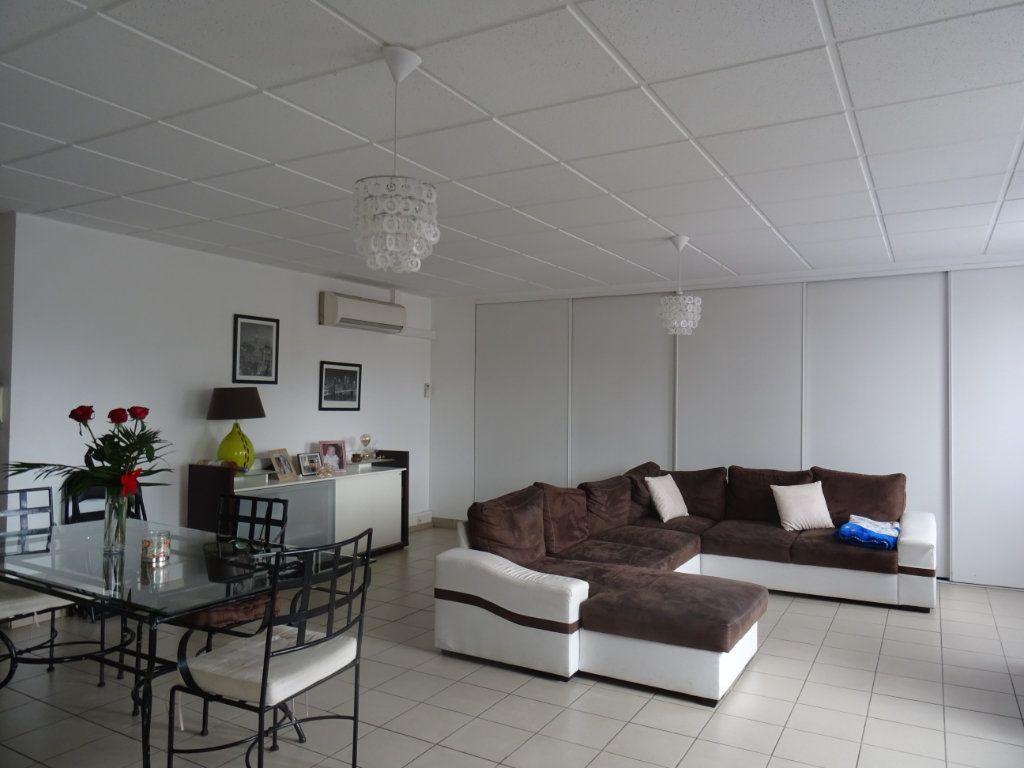 Appartement à louer 4 116m2 à Villefranche-sur-Saône vignette-1
