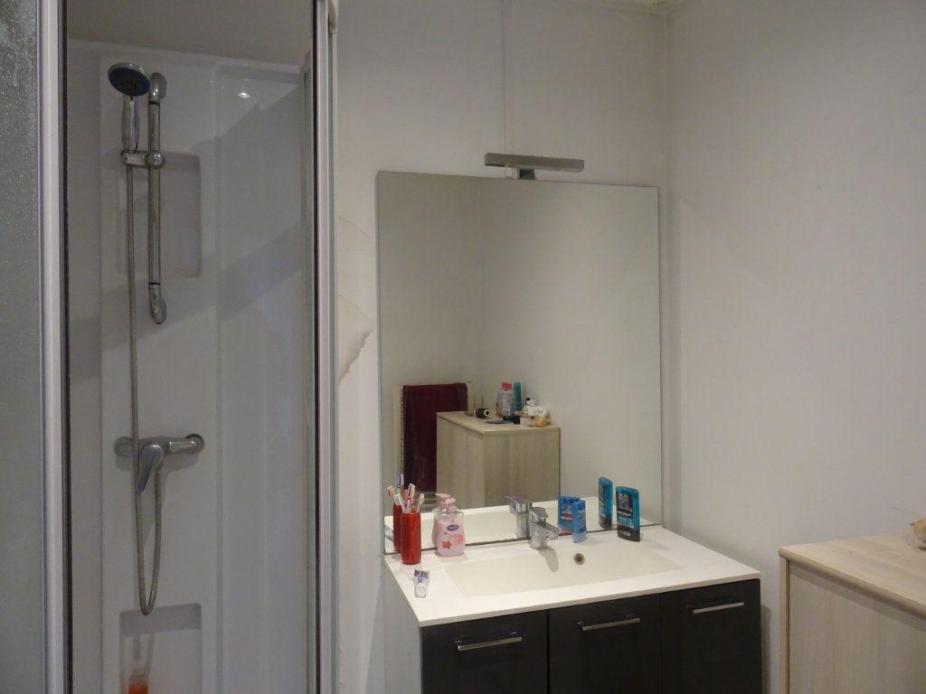Appartement à louer 4 116m2 à Villefranche-sur-Saône vignette-4