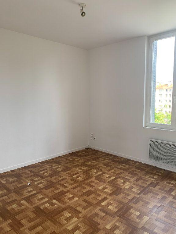 Appartement à louer 2 57.83m2 à Villefranche-sur-Saône vignette-1