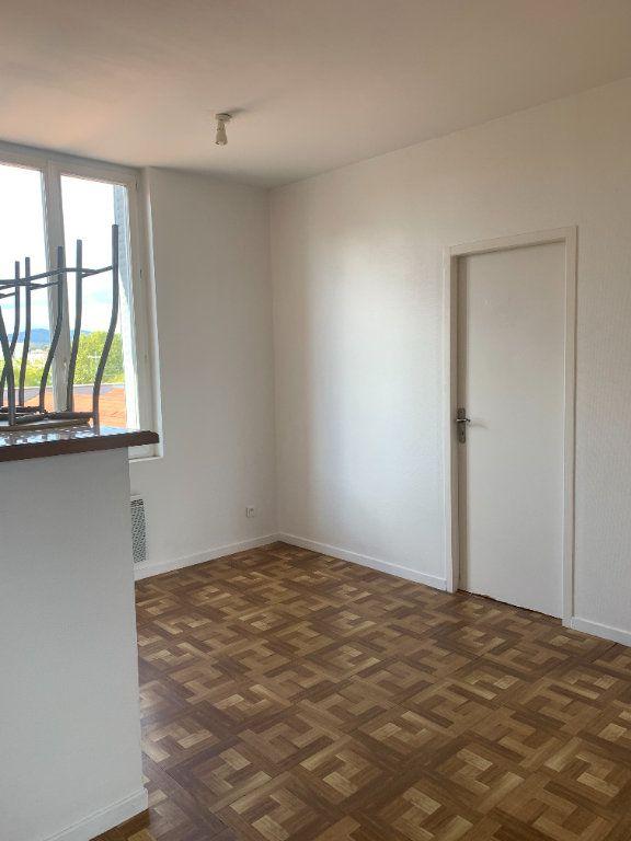 Appartement à louer 2 57.83m2 à Villefranche-sur-Saône vignette-3