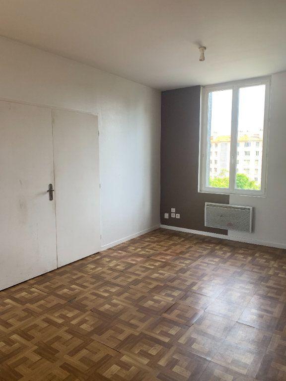 Appartement à louer 2 57.83m2 à Villefranche-sur-Saône vignette-5