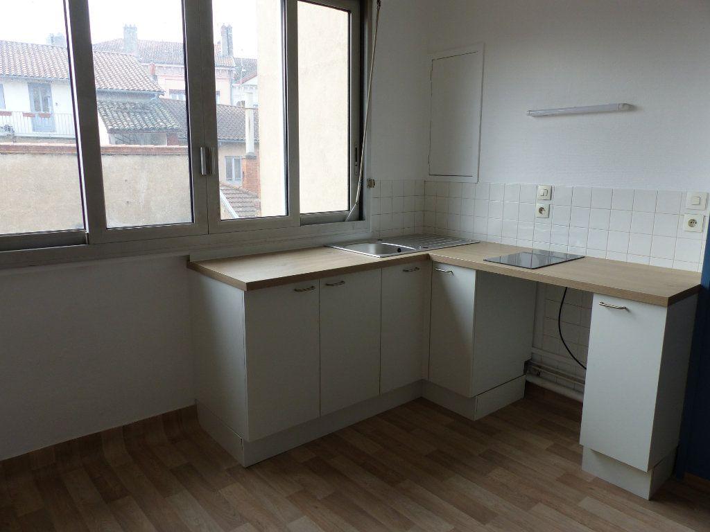 Appartement à louer 2 35m2 à Villefranche-sur-Saône vignette-10