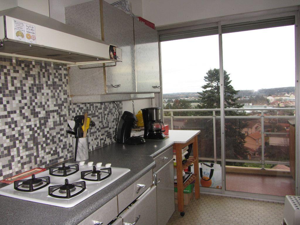 Appartement à vendre 4 89.47m2 à Villefranche-sur-Saône vignette-4