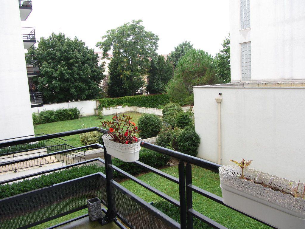 Appartement à louer 2 43.55m2 à Villefranche-sur-Saône vignette-3