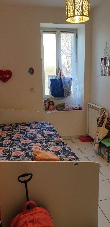 Appartement à louer 3 53m2 à Saint-Genis-Laval vignette-4