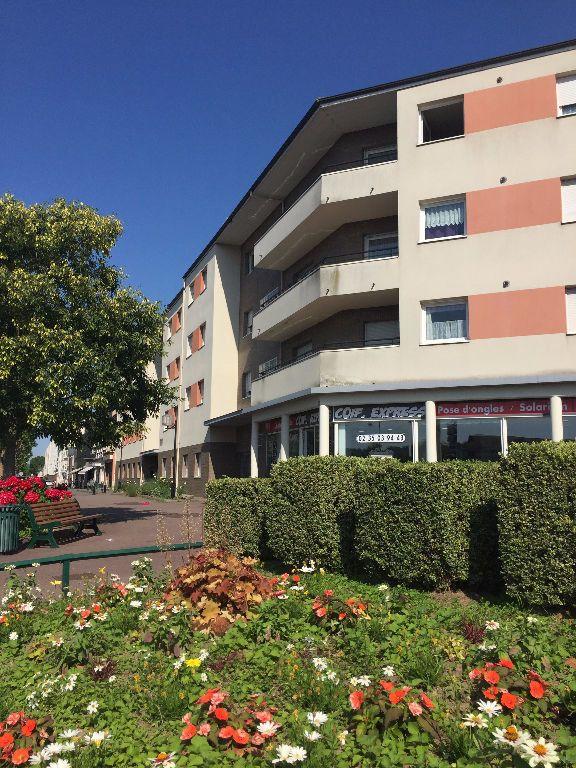 Appartement à louer 3 62.58m2 à Le Petit-Quevilly vignette-2