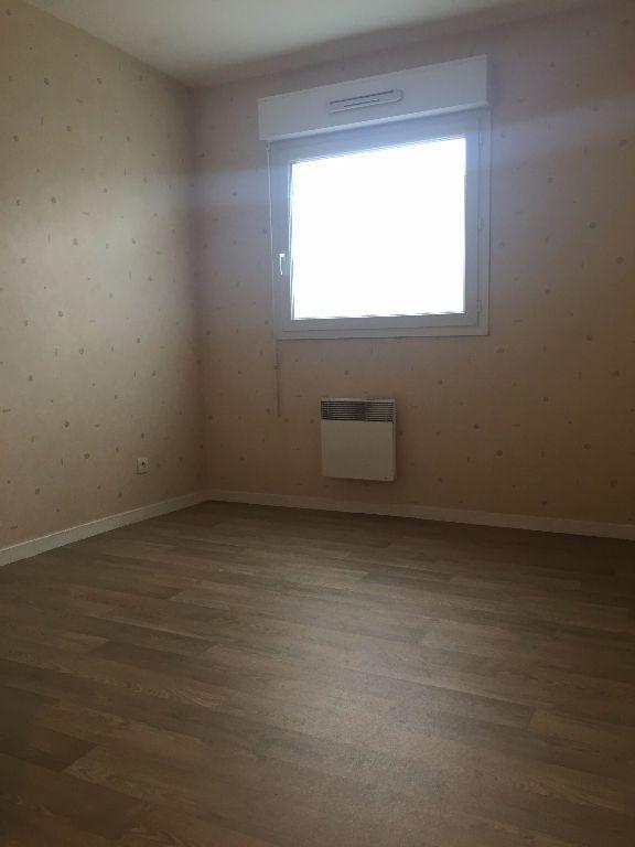Appartement à louer 3 66.13m2 à Le Petit-Quevilly vignette-8