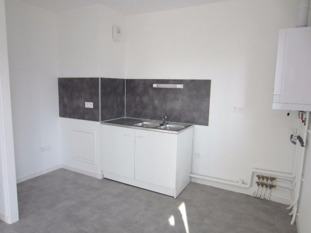 Appartement à louer 3 59.32m2 à Rouen vignette-3