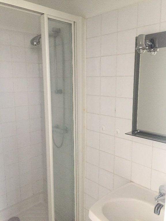 Appartement à louer 1 29.98m2 à Rouen vignette-3