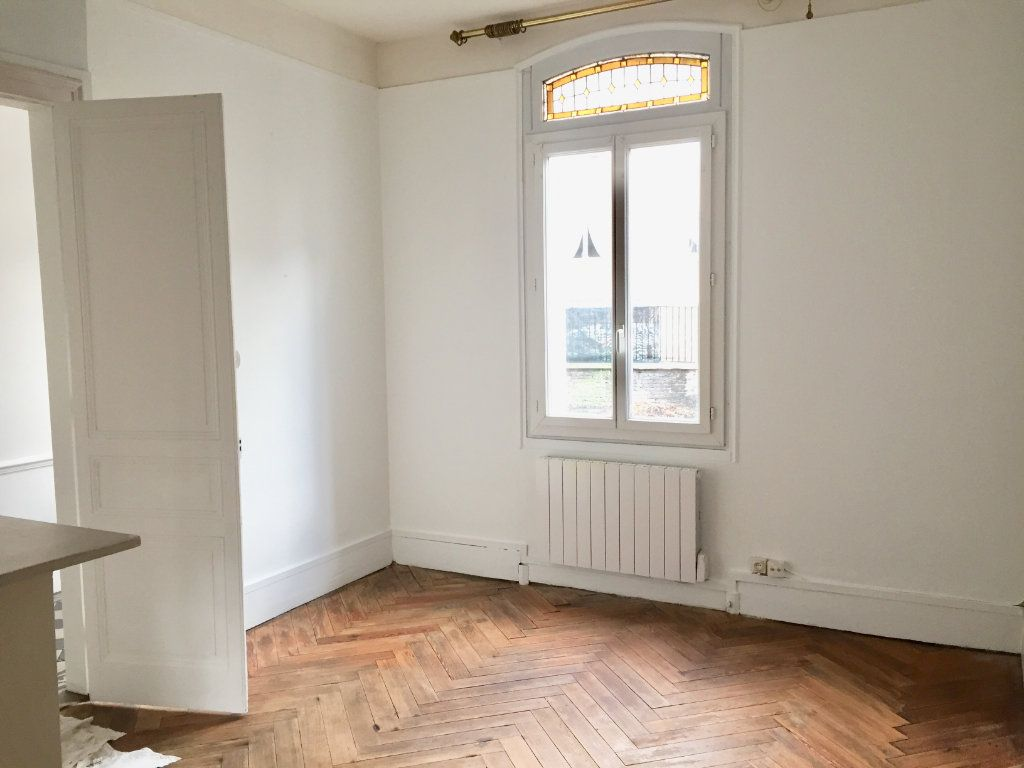 Appartement à louer 2 49.4m2 à Rouen vignette-2