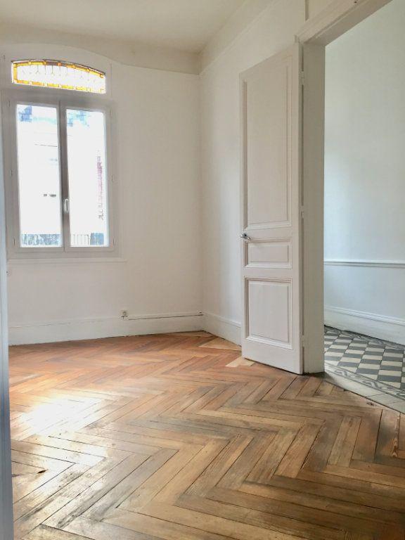 Appartement à louer 2 49.4m2 à Rouen vignette-3