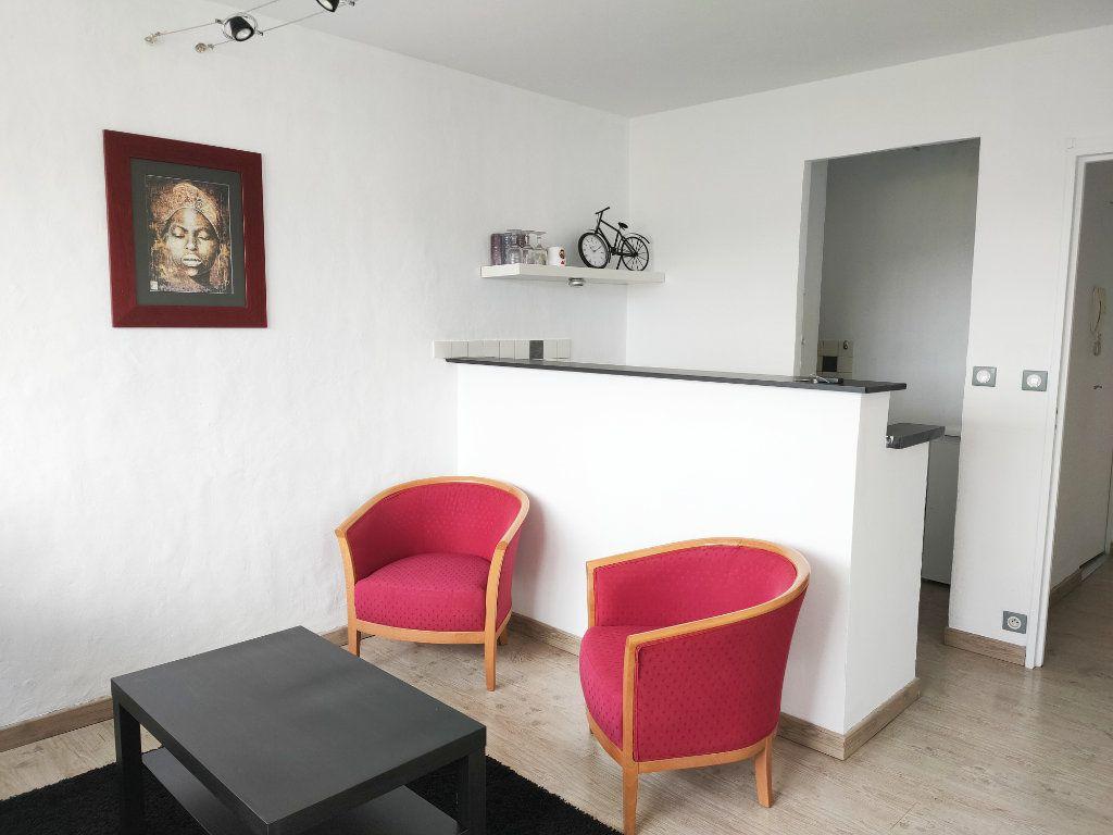 Appartement à louer 2 37m2 à Rouen vignette-2