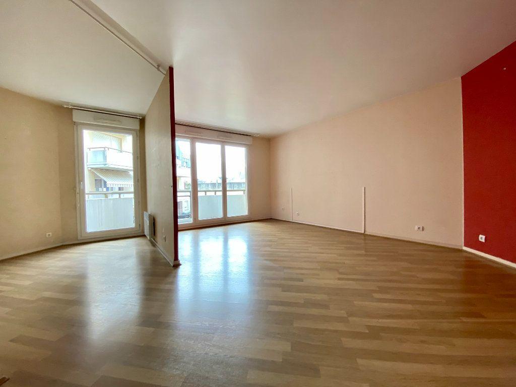 Appartement à louer 4 77.05m2 à Rouen vignette-2