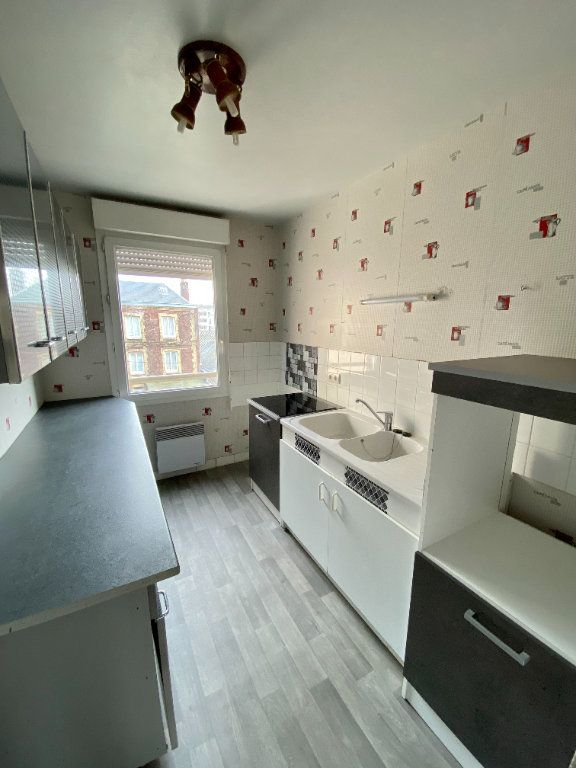 Appartement à louer 4 77.05m2 à Rouen vignette-3