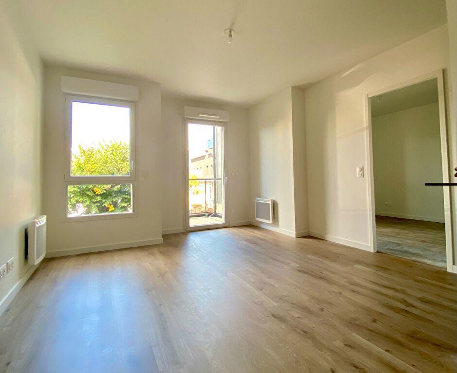 Appartement à louer 2 40.63m2 à Bihorel vignette-2