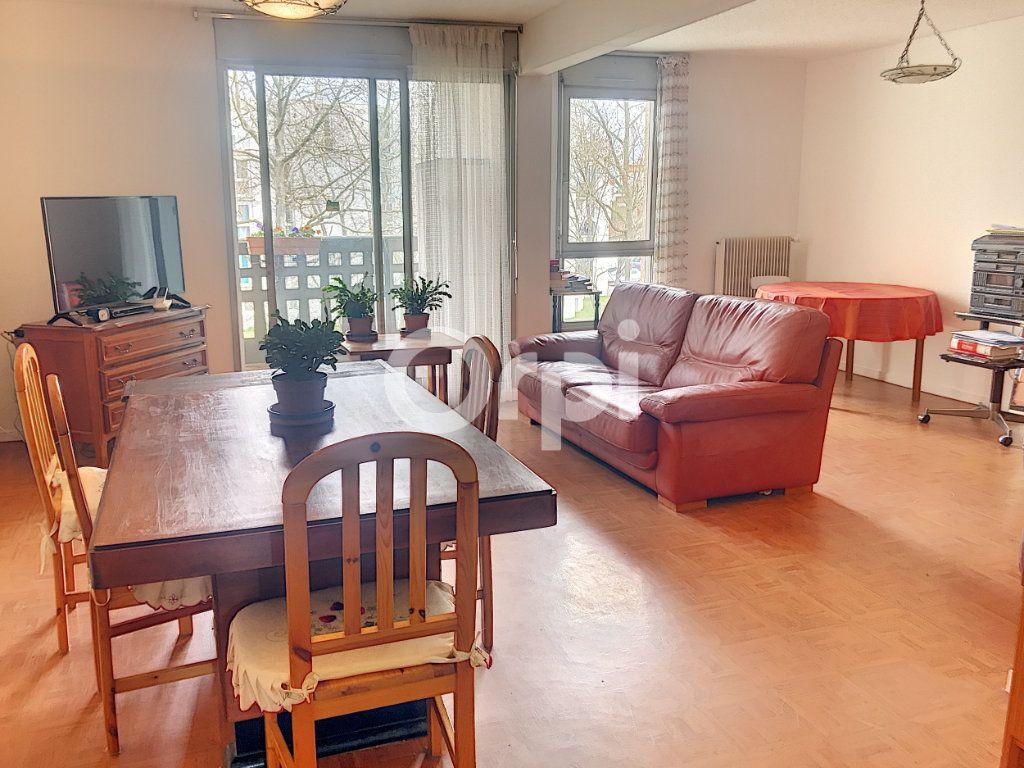 Appartement à vendre 4 99m2 à Blagnac vignette-3