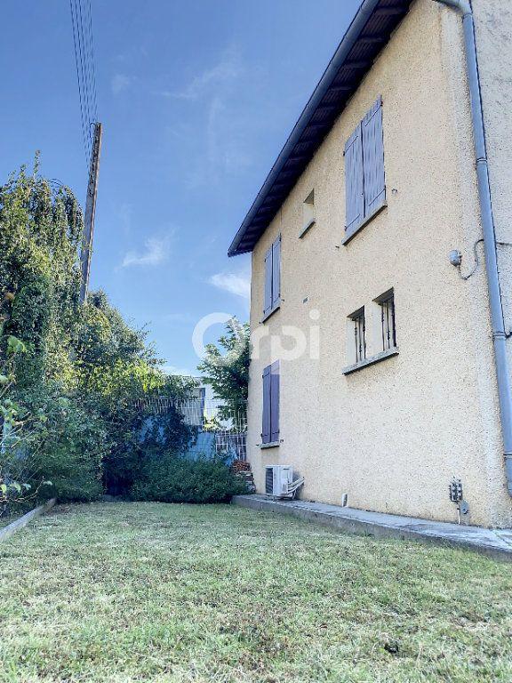 Maison à vendre 3 135m2 à Blagnac vignette-1