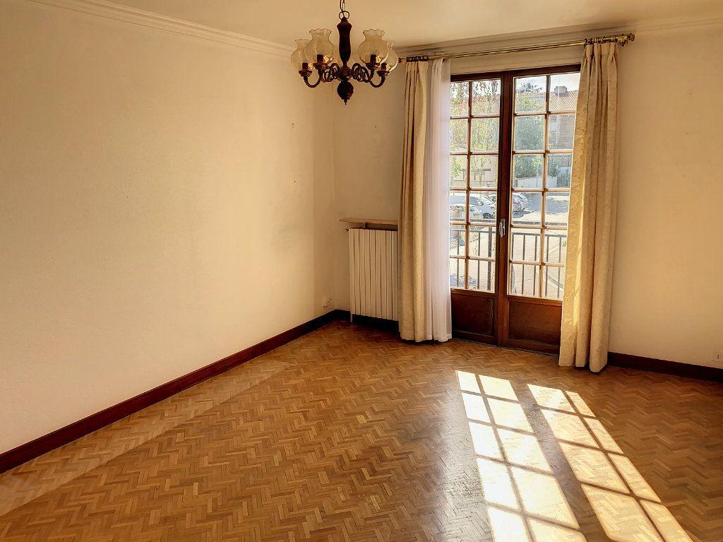 Maison à vendre 3 135m2 à Blagnac vignette-3