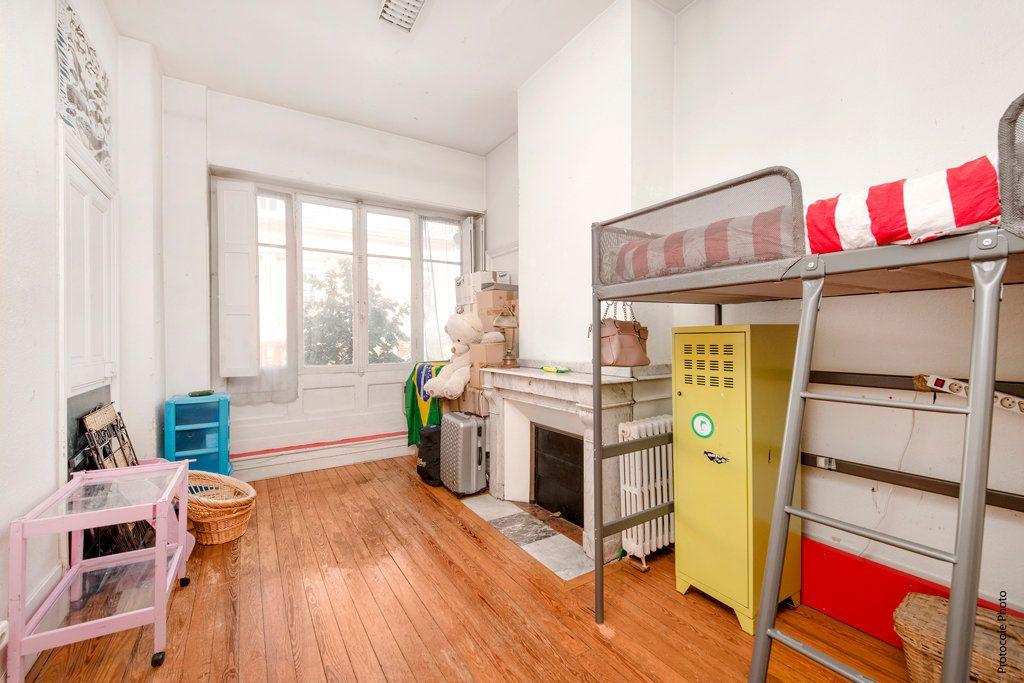Appartement à vendre 5 139m2 à Toulouse vignette-3
