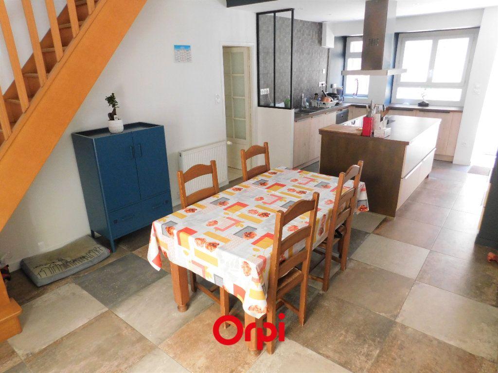 Maison à vendre 6 108m2 à Aubière vignette-1