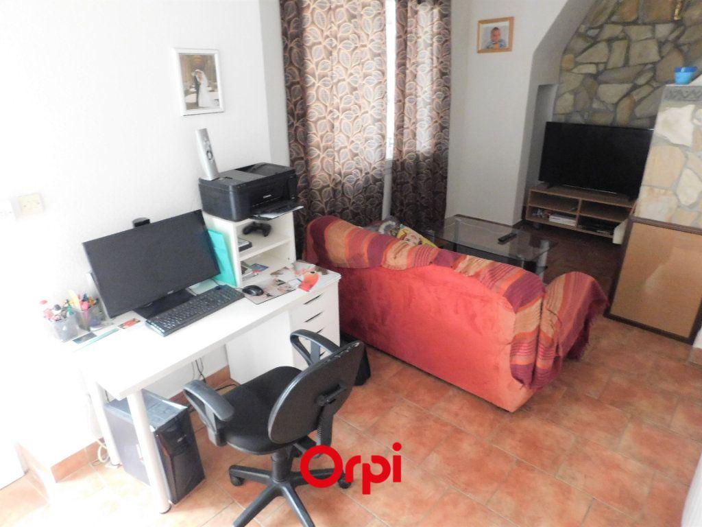 Maison à vendre 6 108m2 à Aubière vignette-3