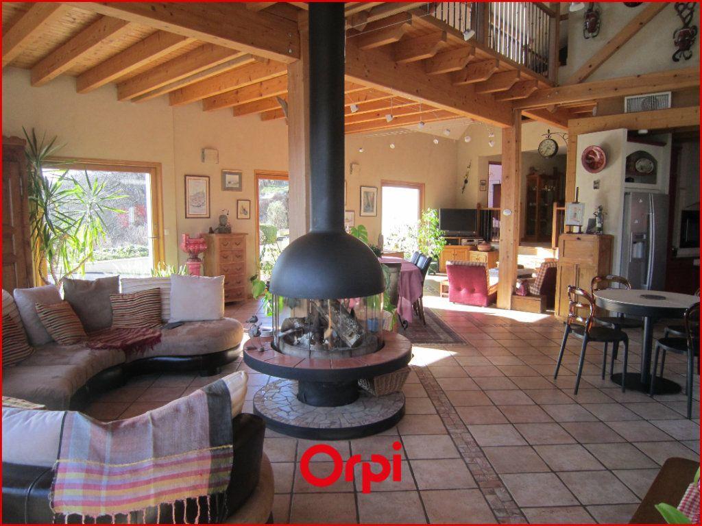 Maison à vendre 7 268m2 à Murat-le-Quaire vignette-4