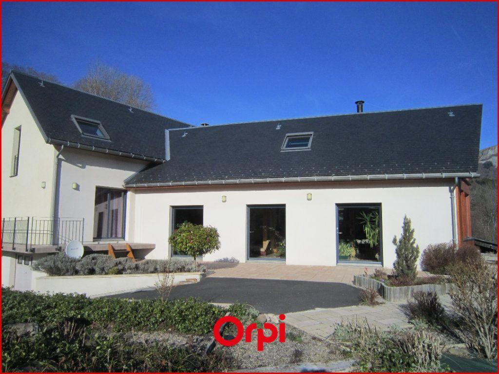 Maison à vendre 7 268m2 à Murat-le-Quaire vignette-13