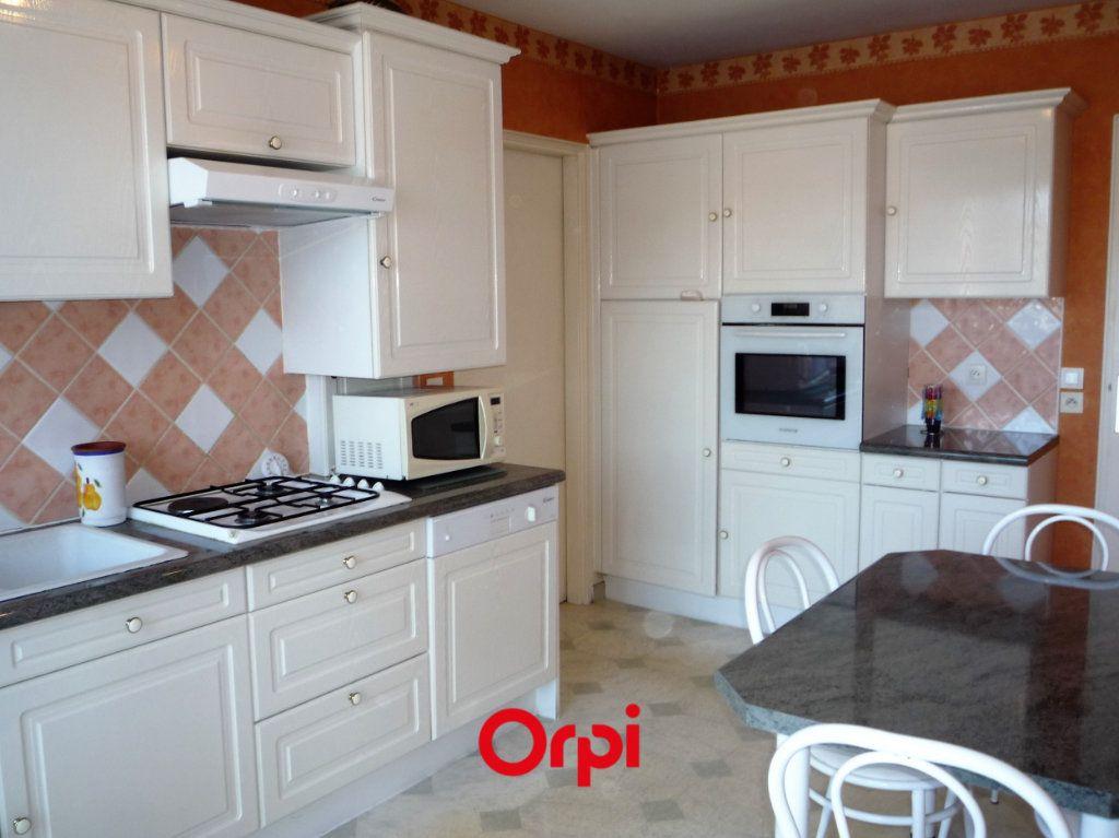 Appartement à vendre 4 97.77m2 à Chamalières vignette-3